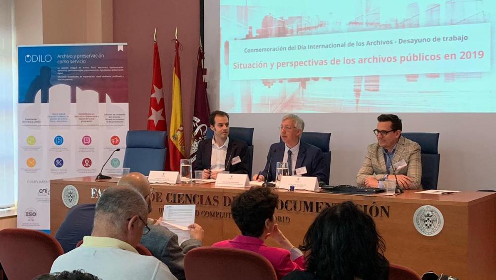 desayuno profesional sobre la situación y perspectivas de los archivos públicos en 2019